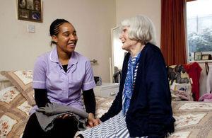 s300_NHS_lib_Elderly_person_with_nurse_SCYW0029-9449_960x640